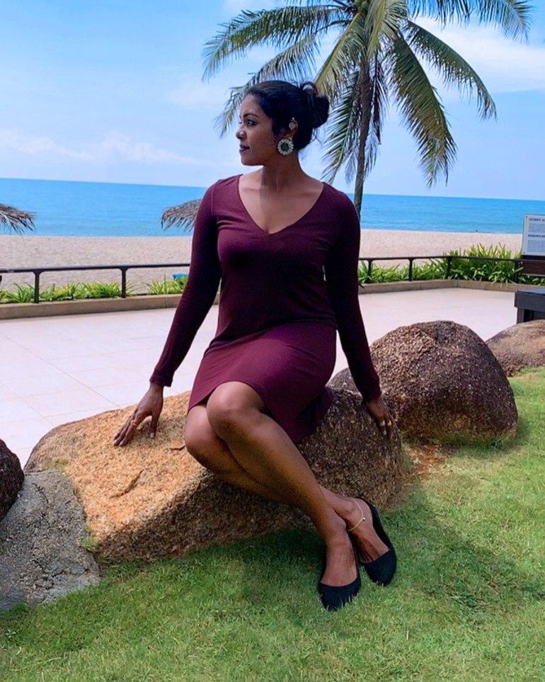 Sandhya Manoj (Malayalam Big Boss Contestant) Wiki, Age, Biography, and Beautiful Photos 113