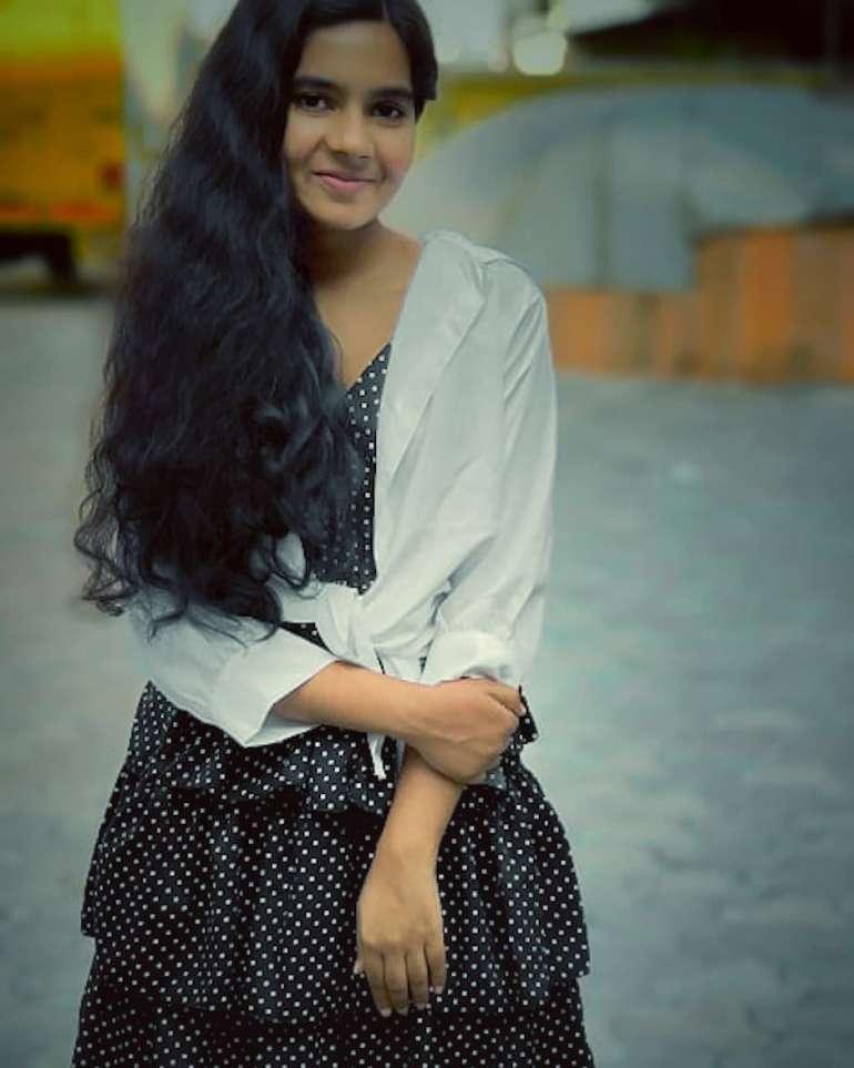 Lakshmi Unnikrishnan (Chakkapazham fame) Wiki, Age, Biography, Movies, and Beautiful Photos 113