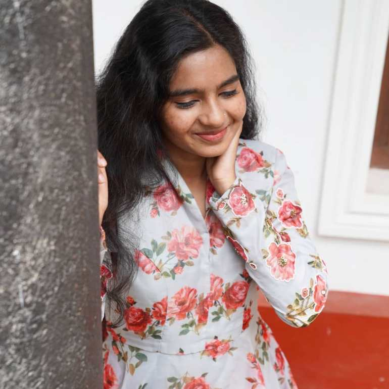 Lakshmi Unnikrishnan (Chakkapazham fame) Wiki, Age, Biography, Movies, and Beautiful Photos 118