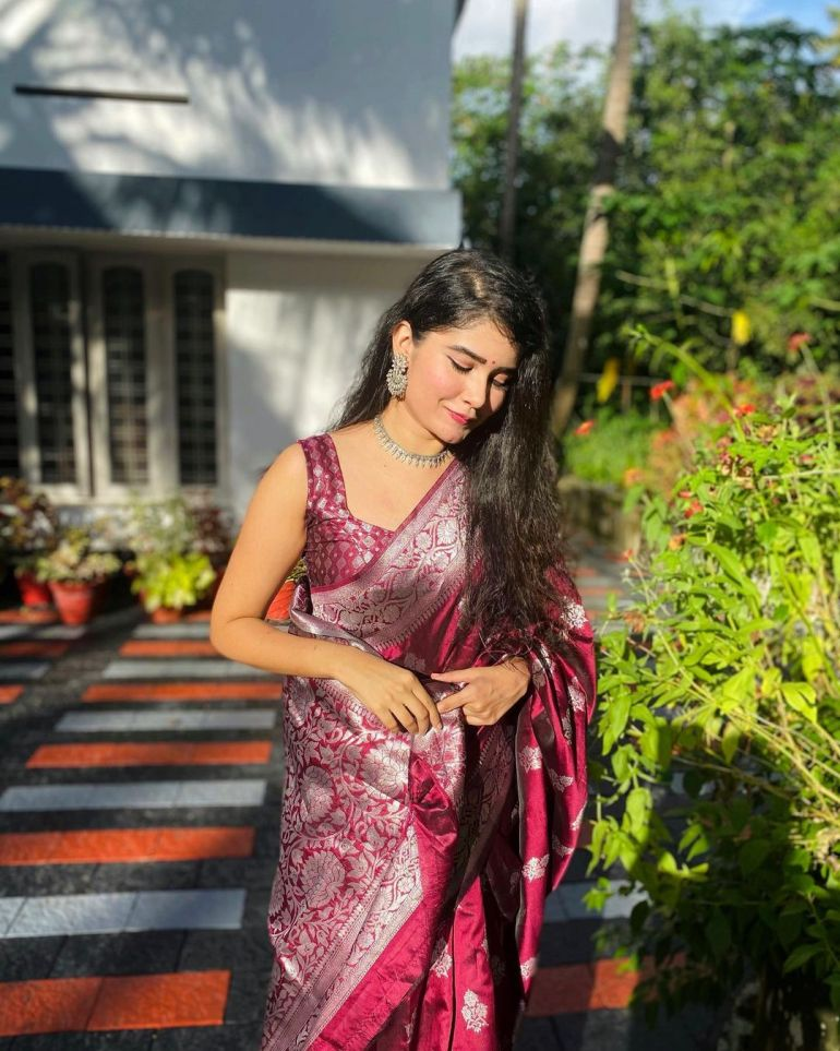 Aiswarya Unni Wiki, Age, Biography, Movies and Beautiful Photos 115