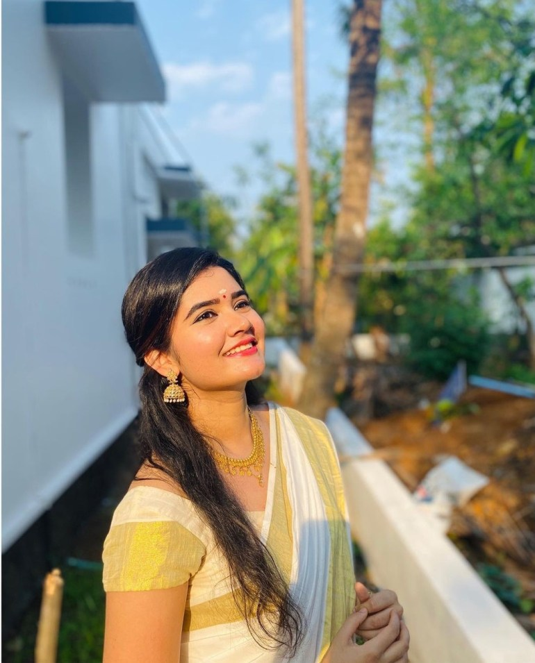 Aiswarya Unni Wiki, Age, Biography, Movies and Beautiful Photos 104
