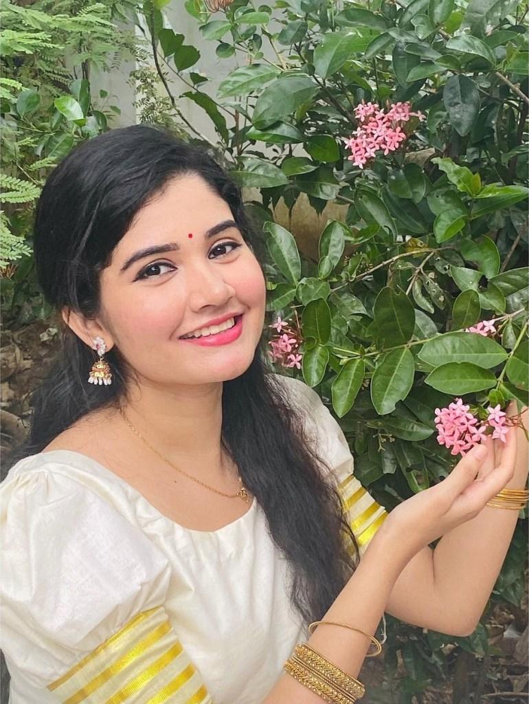 Aiswarya Unni Wiki, Age, Biography, Movies and Beautiful Photos 107