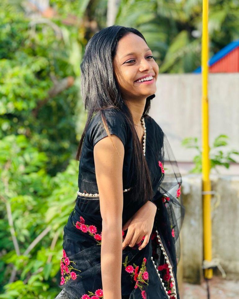 Amritha Shaji Wiki, Age, Biography, Net worth, and Beautiful Photos 100
