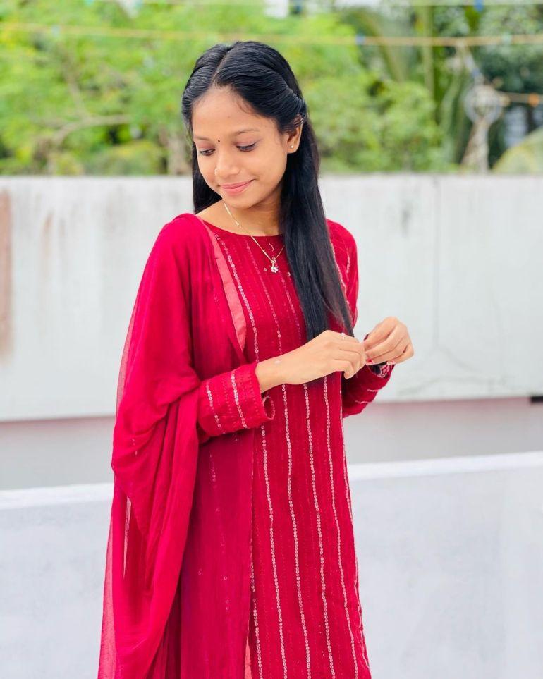 Amritha Shaji Wiki, Age, Biography, Net worth, and Beautiful Photos 101