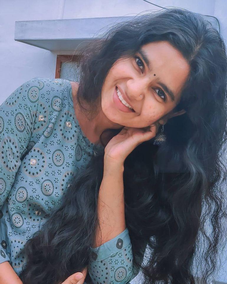 Lakshmi Unnikrishnan (Chakkapazham fame) Wiki, Age, Biography, Movies, and 33+ Beautiful Photos 124