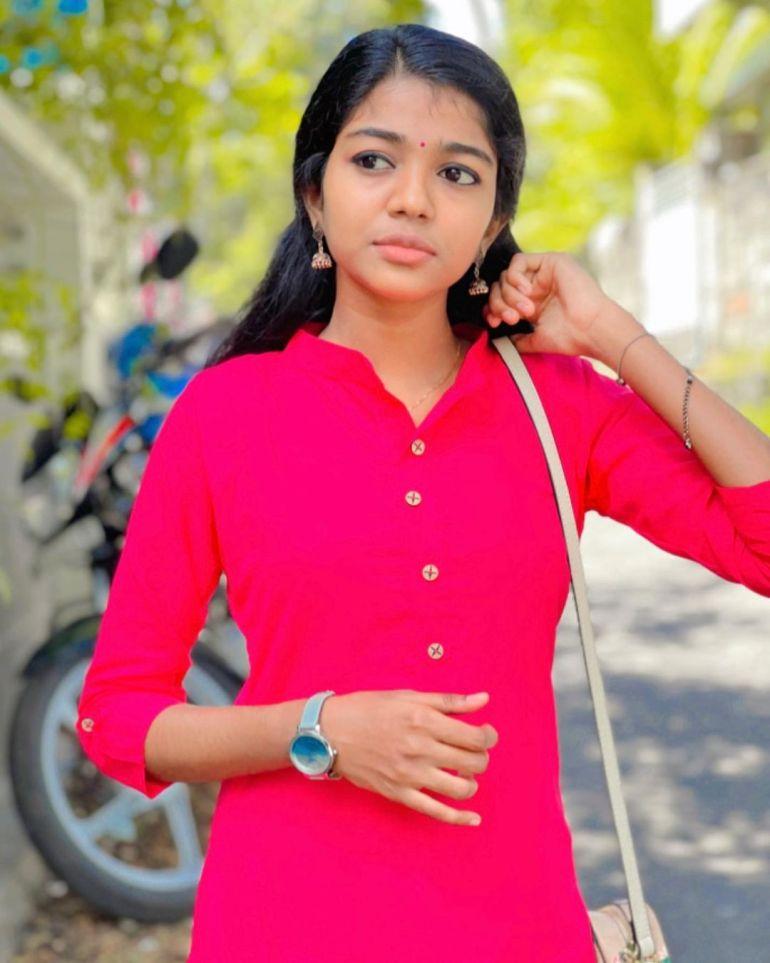 Amala Shaji Wiki, Age, Biography, Net worth, and Beautiful Photos 113