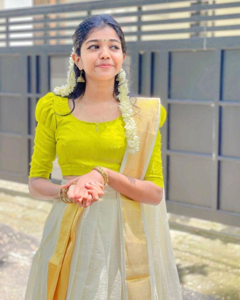 Amala Shaji Wiki, Age, Biography, Net worth, and Beautiful Photos 114