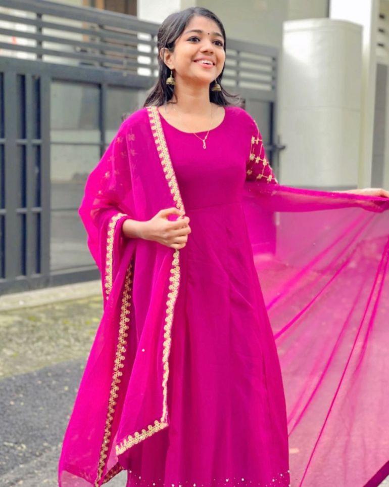 Amala Shaji Wiki, Age, Biography, Net worth, and Beautiful Photos 119