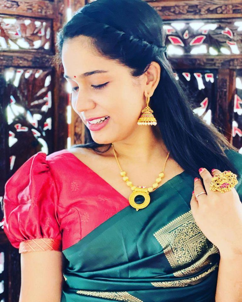 Athira Madhav Wiki, Age, Biography, Net worth, and 21 + Beautiful Photos 105