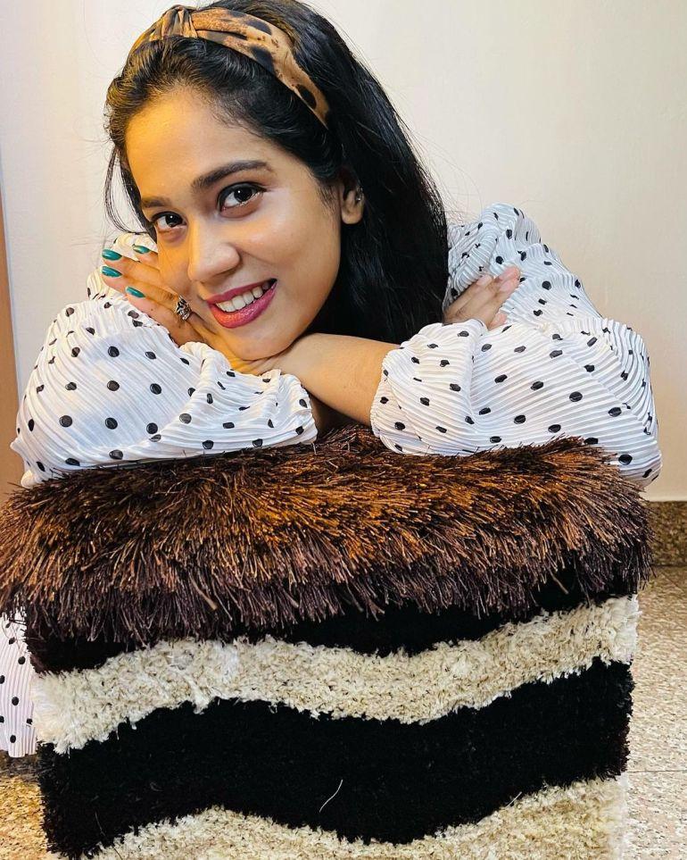 Athira Madhav Wiki, Age, Biography, Net worth, and 21 + Beautiful Photos 112