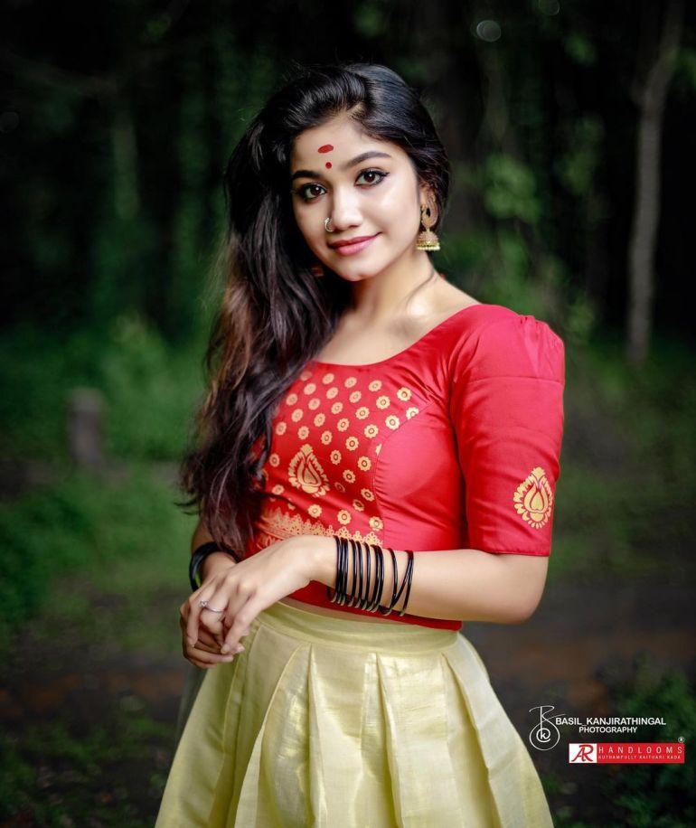 Jasnya Jayadeesh Wiki, Age, Biography, Net worth, and 18 + Beautiful Photos 110