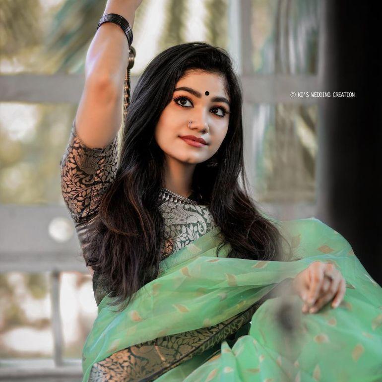 Jasnya Jayadeesh Wiki, Age, Biography, Net worth, and 18 + Beautiful Photos 102