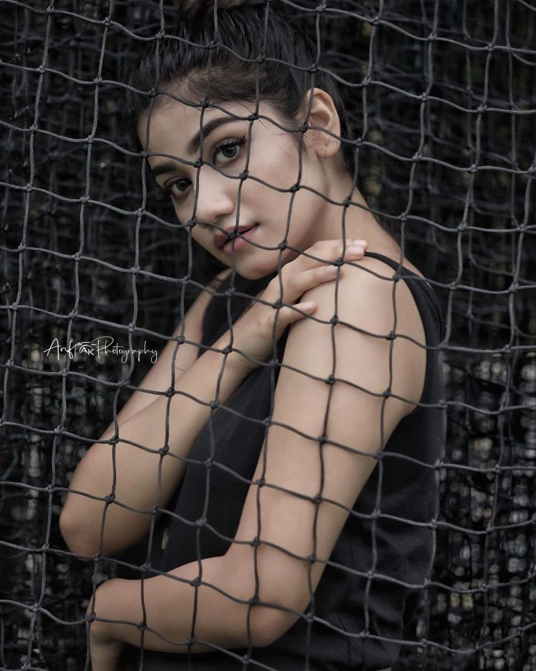 Jasnya Jayadeesh Wiki, Age, Biography, Net worth, and 18 + Beautiful Photos 104