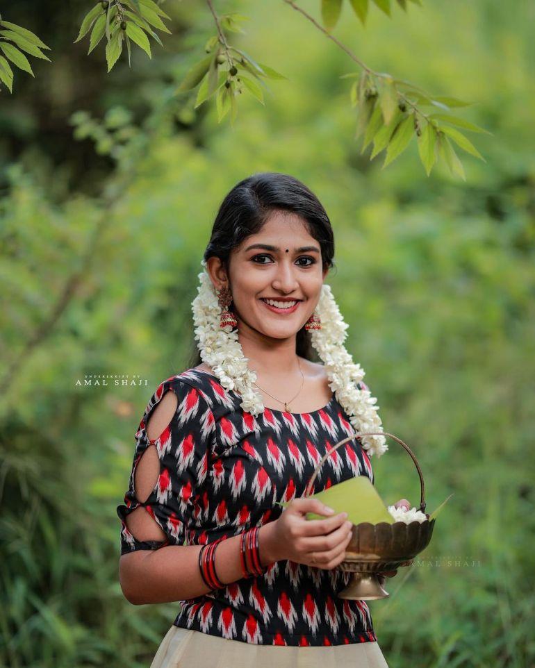 Kalyani Anil Wiki, Age, Biography, Net worth, and 21 + Beautiful Photos 112