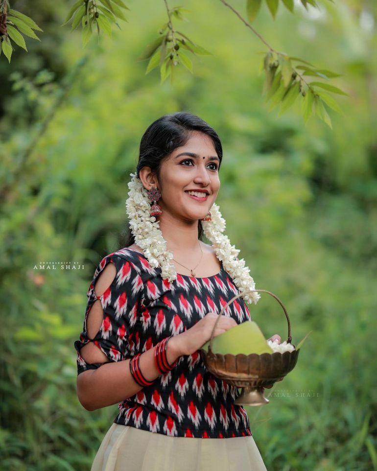 Kalyani Anil Wiki, Age, Biography, Net worth, and 21 + Beautiful Photos 114