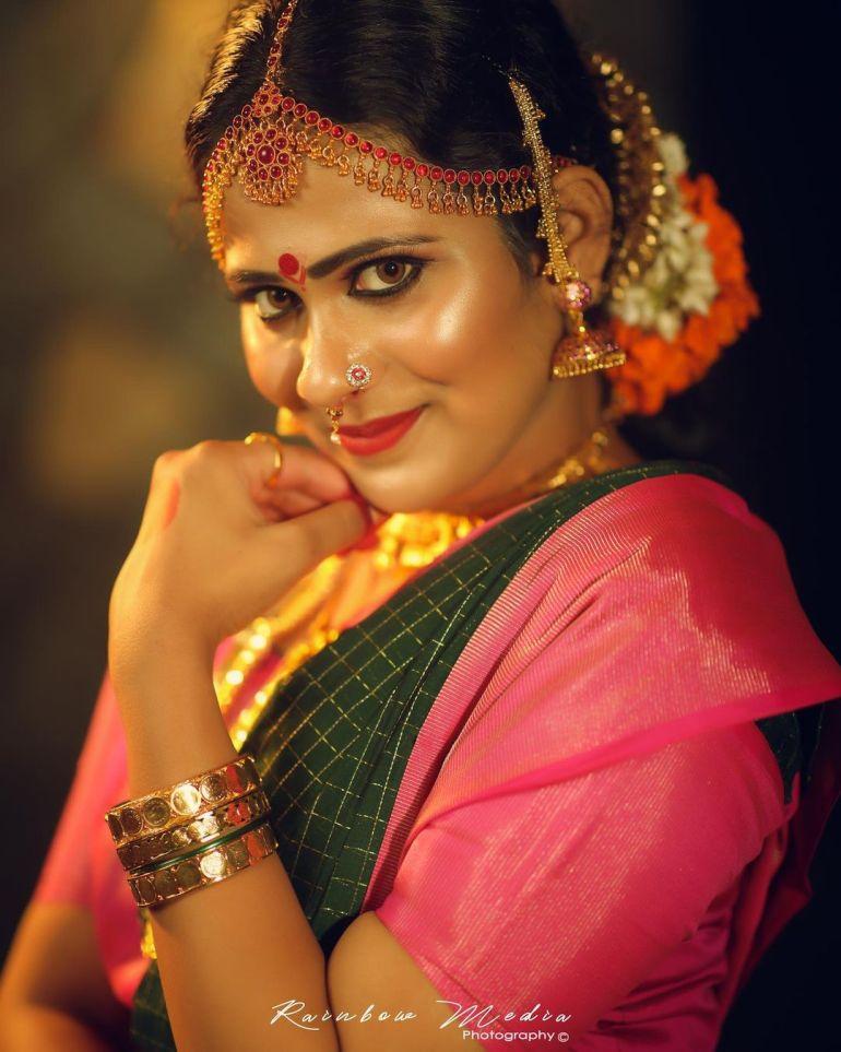 Nayana Variyath Wiki, Age, Biography, Net worth, and 18 + Beautiful Photos 114