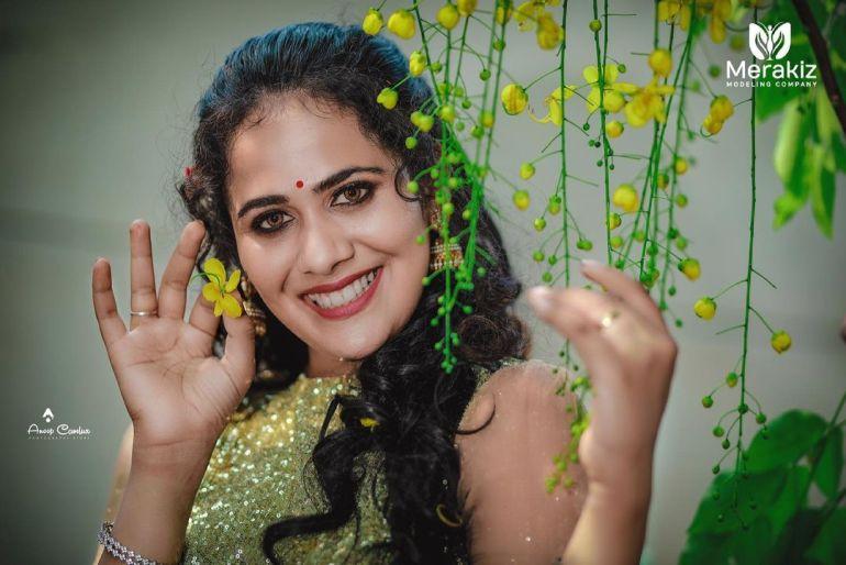 Nayana Variyath Wiki, Age, Biography, Net worth, and 18 + Beautiful Photos 103