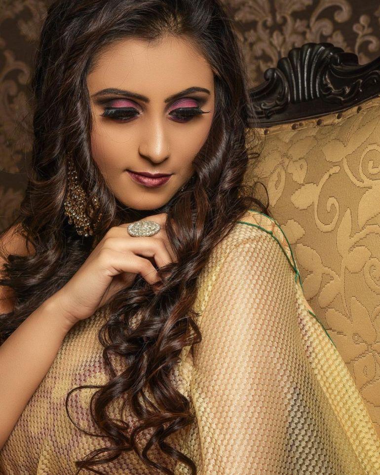 Bengali Model Priya Chakraborty Wiki, Age, Biography, Movies, and 36+ Beautiful Photos 121