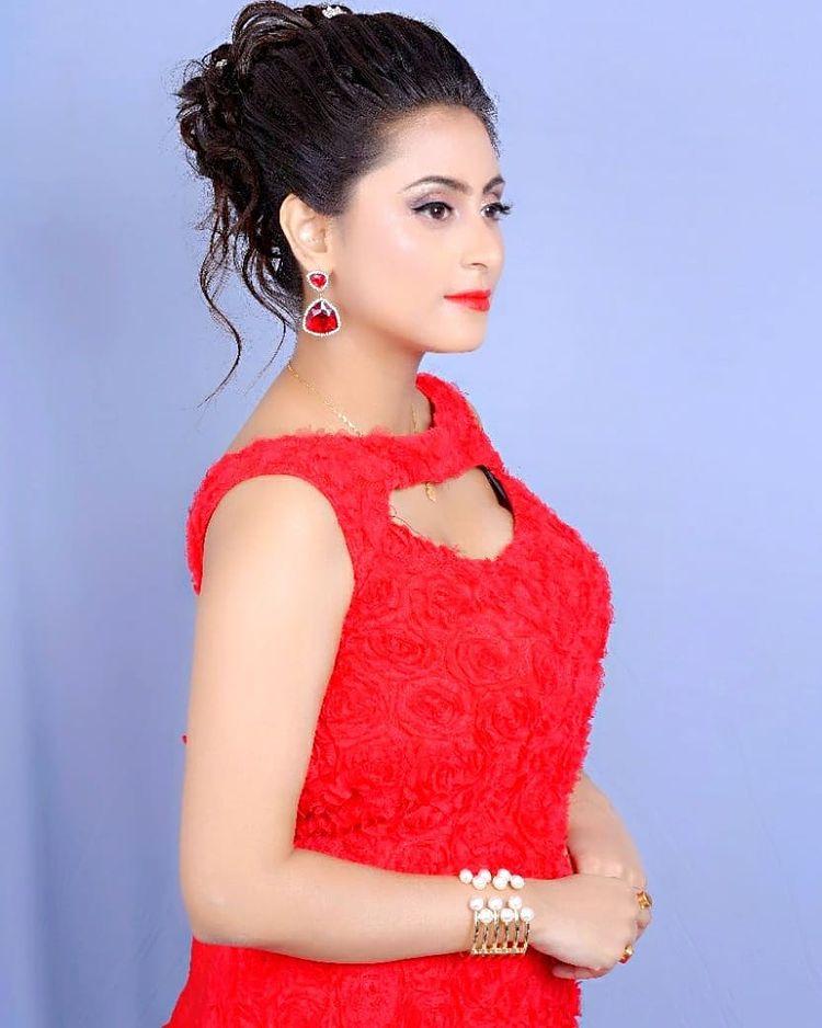 Bengali Model Priya Chakraborty Wiki, Age, Biography, Movies, and 36+ Beautiful Photos 130