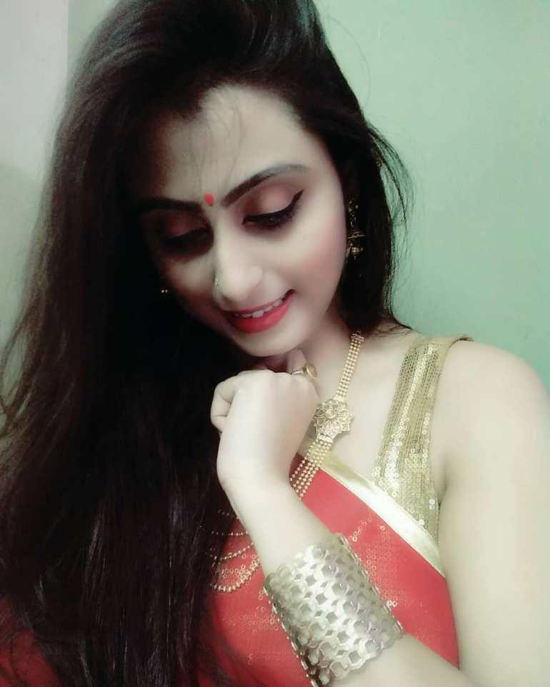 Bengali Model Priya Chakraborty Wiki, Age, Biography, Movies, and 36+ Beautiful Photos 100