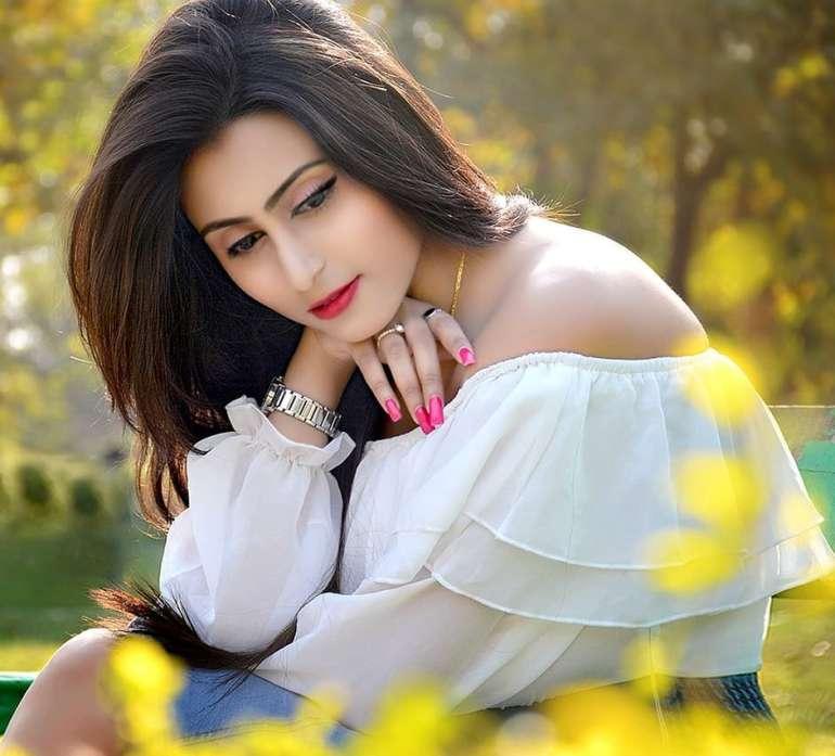 Bengali Model Priya Chakraborty Wiki, Age, Biography, Movies, and 36+ Beautiful Photos 103