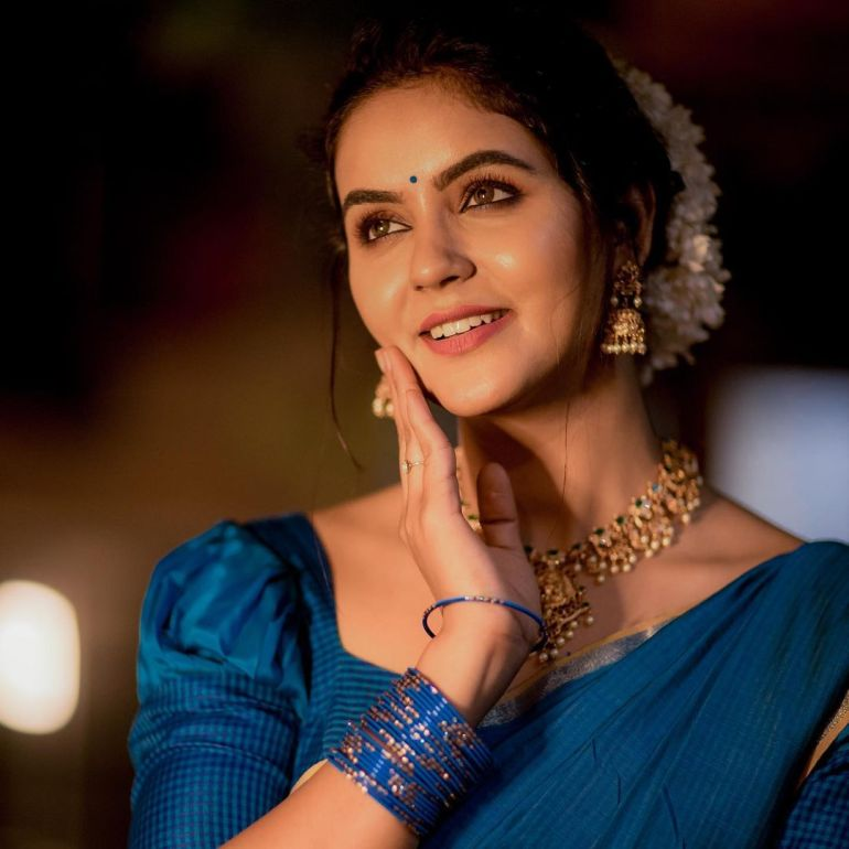 Chaitra Reddy Wiki, Age, Biography, Movies, and 24+ Beautiful Photos 108