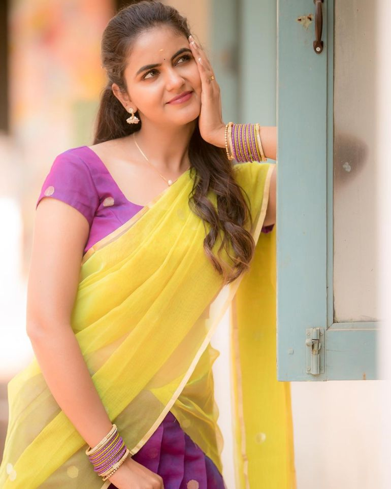 Chaitra Reddy Wiki, Age, Biography, Movies, and 24+ Beautiful Photos 123