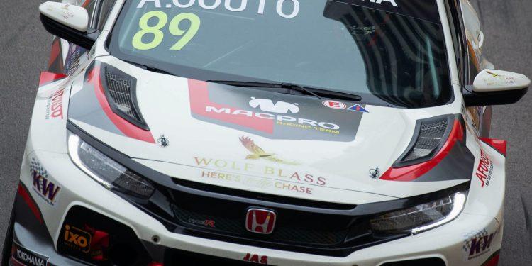 André Couto não conseguio  melhor que o 21º  lugar na 65ªedição do Grande prémio de Macau que está nas ruas de Macau, e teve lugar hoje a primeira manga da corrida para a taça do Mundo de carros de Turismo da FIA, Macau, 17 de Novembro de 2018. CARMO CORREIA/LUSA