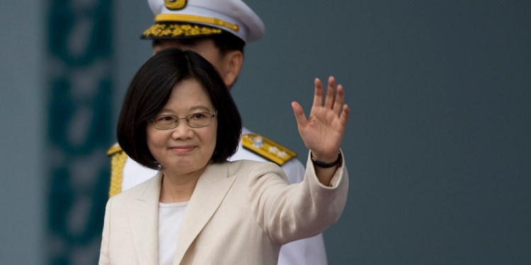 TAIPEI, TAIWAN - MAY 20:  Taiwan President Tsai Ing-wen waves to the supporters at the celebration of the 14th presidential inauguration on May 20, 2016 in Taipei, Taiwan. Taiwan's new president Tsai Ing-wen took oath of office on May 20 after a landslide election victory on January 16, 2016.  (Photo by Ashley Pon/Getty Images)
