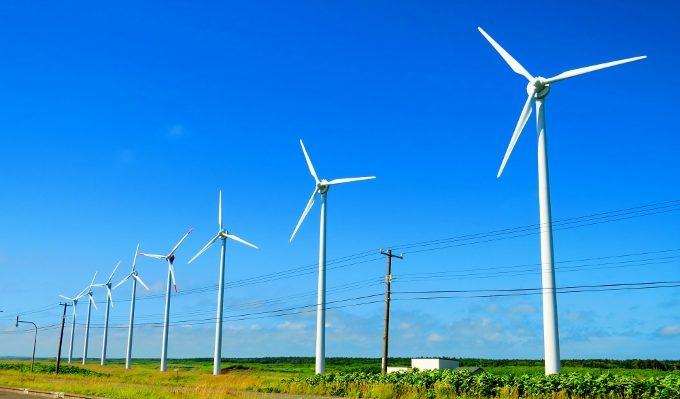 オトンルイ風力発電所の景色、北海道のオロロンライン