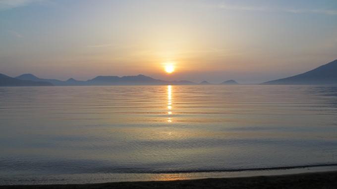 【動画】美笛キャンプ場の最高の朝日!支笏湖の景色/のほほん北海道