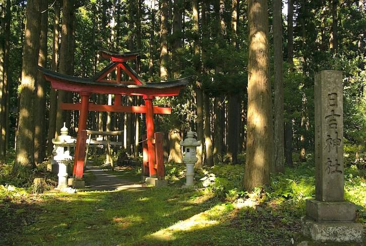 十三湊にある日吉神社。実はここが阿吽寺のルーツ
