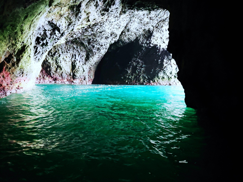 青 の 龍宮 小樽 クルーズ 洞窟
