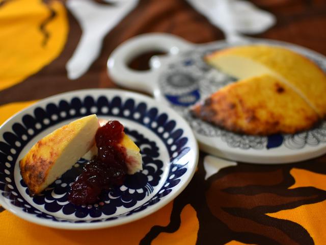 フィンランドの焼き卵チーズのお菓子ムナユースト Munajuusto