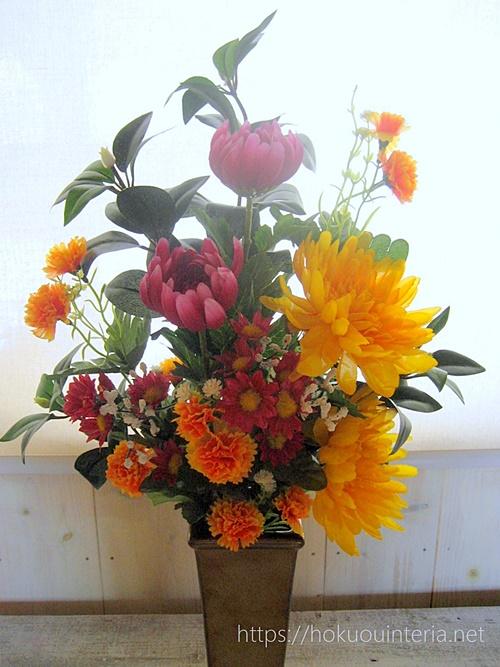 お墓参りの造花