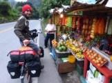 Früchtekauf am Straßenrand