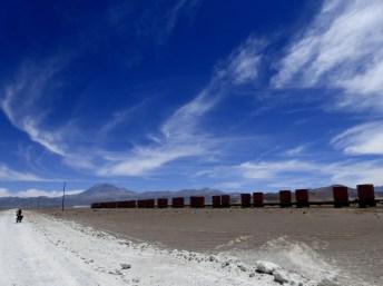 Güterzug unterwegs nach Chile (bei Avaroa)