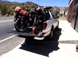 Gratistransport durch einen Autobahntunnel durch die 'Vialidad' - trotz Radverbotsschildern