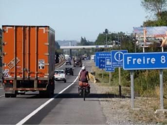Autopista nach Temuco, noch ohne Leuchtweste.