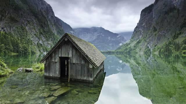choza en lago de alemania