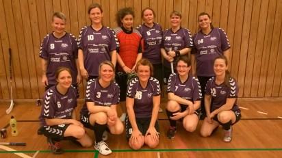 Lady Bombers' spillere efter kampen mod Veksø