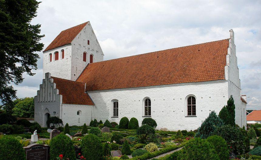 "Undløse Kirke. Arkivfoto: Jürgen Howaldt <a href=""https://creativecommons.org/licenses/by-sa/3.0/de/deed.en"">(CC BY-SA 3.0 DE)</a>"