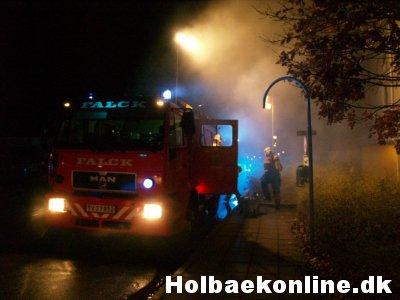 Natten til lørdag udbrød der brand i en kælder i Ladegårdsparken. Foto: Freelancefotografen.dk
