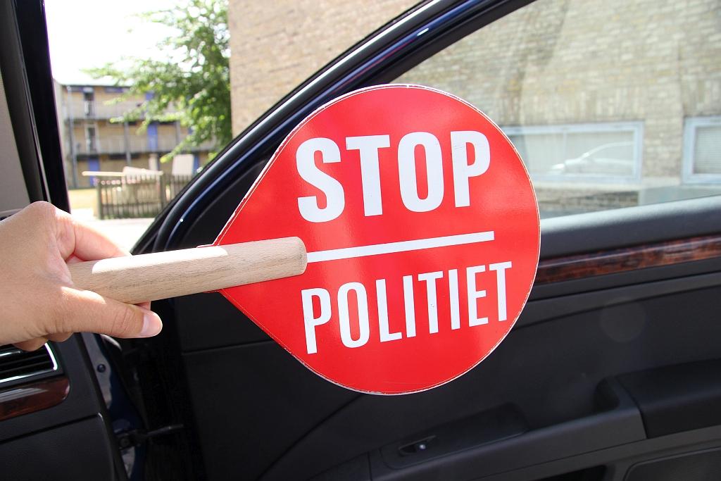 Kørsel uden førerret – varebil beslaglagt