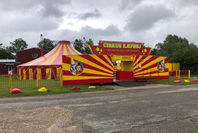 """""""Glimrende Cirkus"""" på Vandtårnsvej i Holbæk. Foto: Rolf Larsen."""