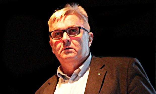 Nyt medlem i byrådet for Konservative, Michael Suhr, går ikke ind for sponsoraftalen mellem Holbæk Kommune og fodboldklubben Holbæk B&I. Foto: Rolf Larsen.
