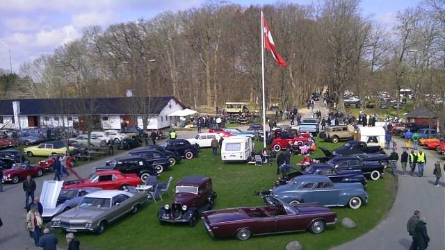 Der er mange flotte gamle biler at se på Foto: Andelslandsbyen Nyvang