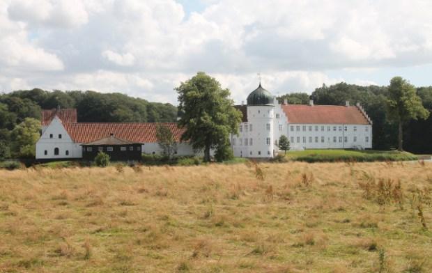 Det imponerende Torbenfeldt Gods har været brugt i flere danske film. Foto: Rolf Larsen.