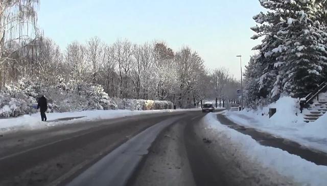 Myndighederne er klar hvis DMIs varsel om kraftig snefald holder stik. Arkivfoto: Michael Johannessen.