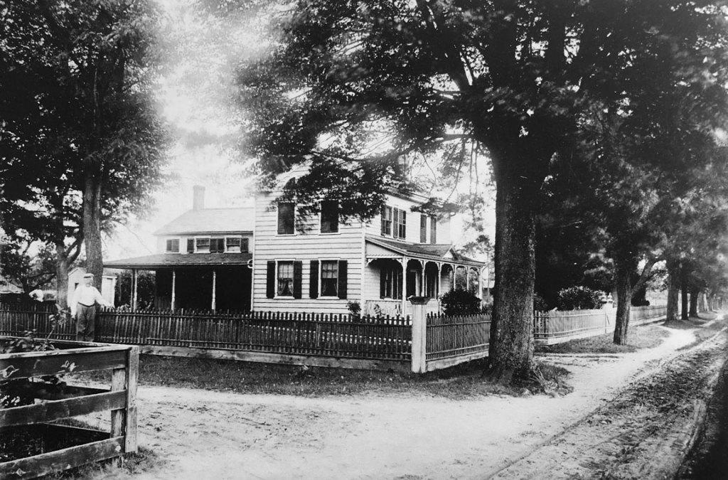 Gottleib & Katherine Wild's home, Holbrook, NY - early 1900s